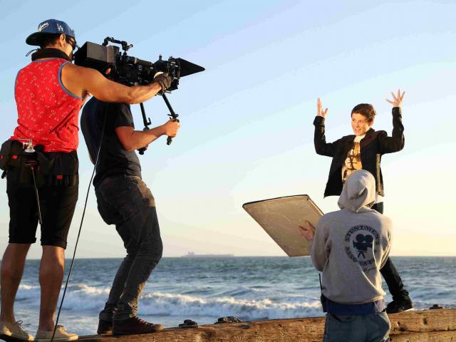 Bizness yönümlü video rolik