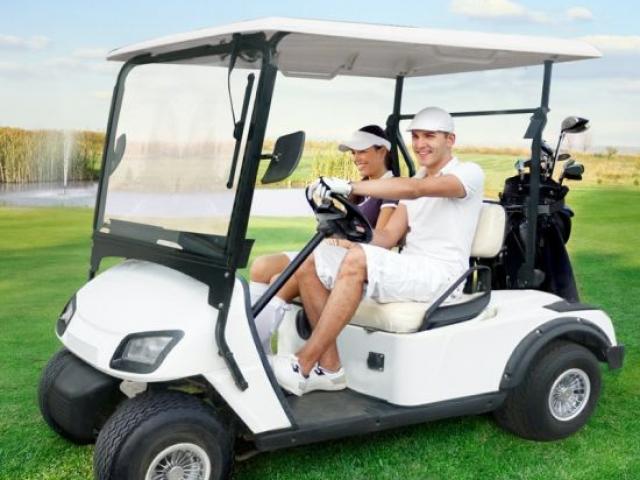 Golf avtomobilinin satışı