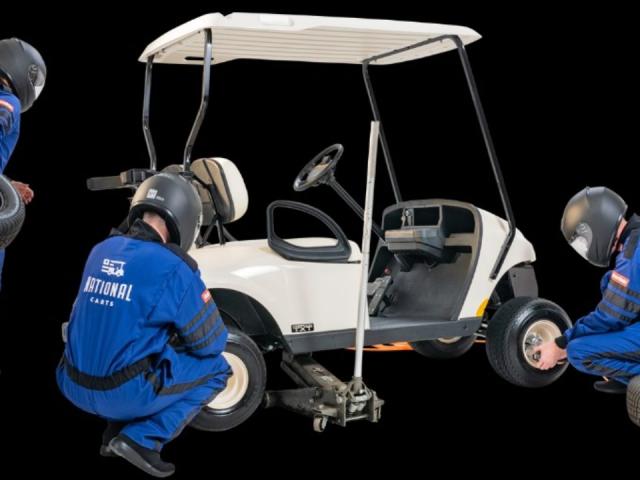 Servis golf car