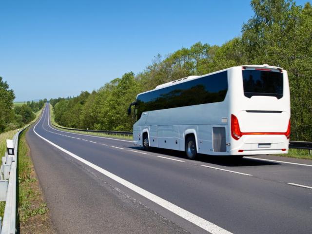 Illik avtobus sifarisi