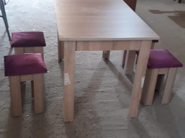 Mətbəx masası ve 4eded tabuter