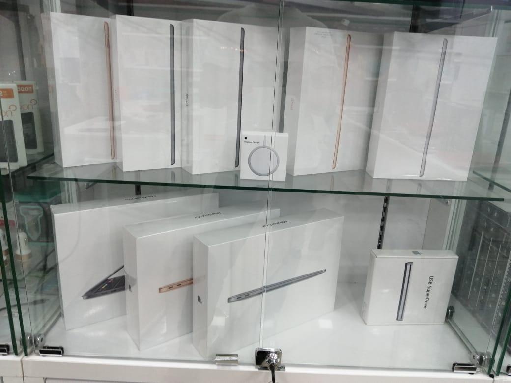"Apple macbook air m1 13.3"", ips"